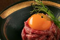 新鮮な肉を使用した一品料理