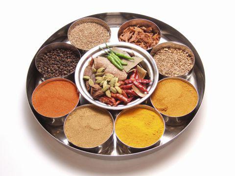 本場インド料理専門店。36種類のスパイスが作り出す味のマジックをお楽しみ下さい。