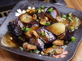 料理メニュー写真ナスと鶏のピリ辛焼き