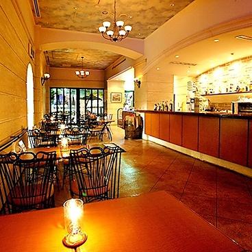 Cafe&BAR エルコラーノ ホテル横浜キャメロットジャパンの雰囲気1