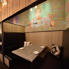 寛ぎのデザイナーズ個室完備。開放的で広々とした個室のためリラックスしてお過ごし頂けます。