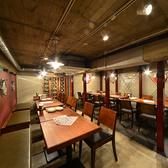 地下1階のテーブル席はフロア貸切、20名以上からも可能です。是非、ご相談ください。