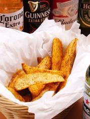 料理メニュー写真テキサスフレンチフライ=スパイシーな風味のフライドポテト