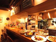 4名様お掛け頂けるカウンター席は料理風景も見れるので臨場感があります!最大5名様までOK!