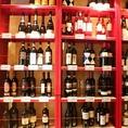 ワインの種類は50種類以上。白・赤、ロゼやスパークリングなども豊富にご用意他にも、日本発上陸のスペインワインなど、珍しいオススメワインなども取り揃えております。コスパも忘れておりませんよ~♪♪