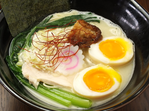 鶏ラーメン TOKU (トリラーメン トク)