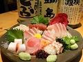 料理メニュー写真本日の刺盛 ≪旬なお魚を揃えております≫