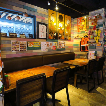 ピンクエレファント タイ料理 新富町の雰囲気1