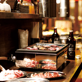 大衆焼肉の醍醐味★カウンター席は1名様からご利用可能です!