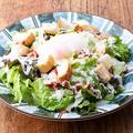 料理メニュー写真《かっこ特製》シーザーサラダ/《自家製とうふ》カリカリじゃこサラダ