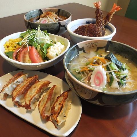 桐生で3代受け継いだ、伝統のソースかつが人気のお店、『冨士山食堂』。