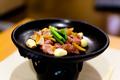 料理メニュー写真地鶏のスタミナ陶板焼き