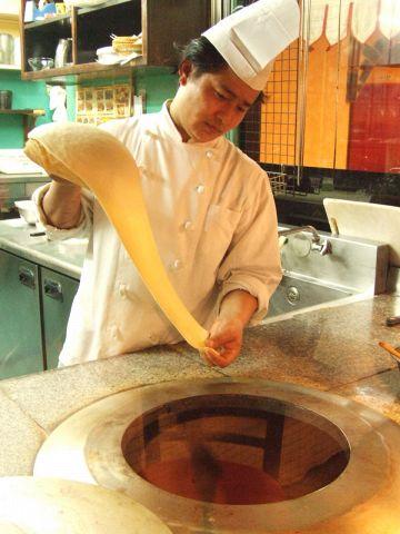 注文を受けてから一つ一つ手作りする、本場のシェフが作るインドカレーが90分食べ放題