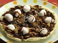 料理メニュー写真マシュマロとチョコの焼きたて熱々デザートピザ