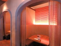 半円個室!デート・女子会カーテン付き個室で間接照明が素敵なお席です!