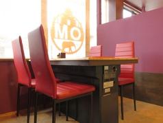 広々テーブルで、ゆったりお食事を楽しめます!