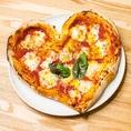 ハートのピザ★見た目もかわいく、味も美味しい!サプライズの演出にこちらも人気♪