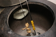 インド独特な「タンドール」で焼くナン・タンドリー料理