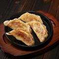 料理メニュー写真肉汁鉄板餃子