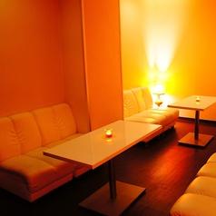 間接照明で落ち着いた雰囲気自慢の半個室のお席は1番人気ですので、ご予約がおすすめです☆