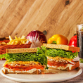 【ランチ11:30~15:30】萌え断の有名コラボサンドイッチやプレートランチをメニュー豊富にお取り揃え♪