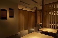 テーブル席は、人数様により変更可能です。大人数様の場合は事前にお問い合わせを。