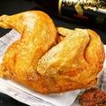 仕込み丸一日かかる、贅沢な若鶏半身揚げは690円(税抜)でお楽しみ頂けます!他ではなかなか食べれない一品。ぜひ炭旬 小山店でご堪能ください♪みんなでシェアしてもおすすめです☆秘伝の辛味噌をつけてお召し上がりください!ピリッとした味が良いアクセントです♪