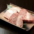 【厳選素材・肉】赤身と脂身のバランスが絶妙な山形牛を使用。