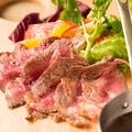 料理メニュー写真アンガス牛の肩ロースグリル~シェフソース~