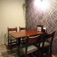 【半個室テーブル席】