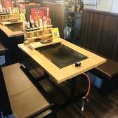座敷が苦手な方はテーブル席へ♪小さなお子様用の椅子もご用意しております。ご家族やお仲間でお気軽にお食事をお楽しみくださいませ♪