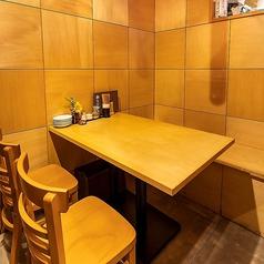 王道のテーブル席!簾で仕切っありますので、隣の席も気なさらずにゆっくりとご利用いただけます★