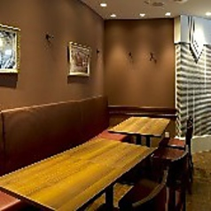 団体席もご用意しております!最大18名様まで。歓迎会、懇親会、同窓会などの様々な宴席に最適です。