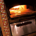 550度の高温で焼き上げる窯焼きピッツァです。90秒で焼きあがるピッツァはお持ち帰りも可能!!女子会、お誕生日に最適のお店です。