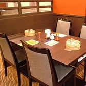 人数に合わせて繋げられるゆったりテーブル席!!少人数宴会にどうぞ!!ご家族連れにも人気!!レイアウト変更や貸切のお問い合わせはお気軽に!!