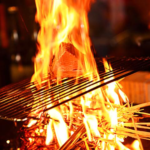 【駅近】藁の炎が目印!本場の味に舌鼓!GOTO利用可、期間限定昼飲み&ランチ営業