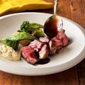 料理メニュー写真牛カルビのグリル 赤ワインソース 120g