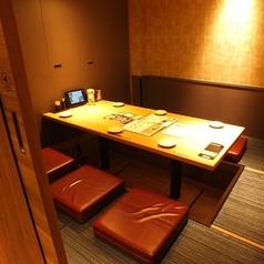 人気の個室席。ご予約はお早めに。