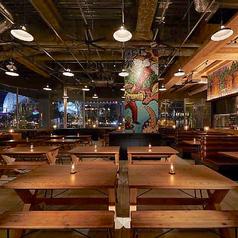レボブルーイング REVO BREWING ビール醸造所レストラン みなとみらいの雰囲気1