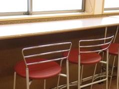 フードコート内にあるカウンター席もご利用いただけます。