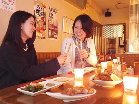 焼き鳥とお酒、店内の雰囲気全てにこだわり。シャンパングラスで飲む日本酒は格別の味