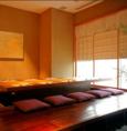 半個室。温かみある優しい雰囲気が漂います。