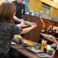《天王寺・新世界・食べ放題》揚げたての串カツをお届け