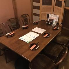 6名様用の2階テーブル席