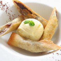 料理メニュー写真バナナロール バニラアイス添え