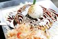 【MIX焼き880円】エビ、イカ、豚、のスタンダードです。具が素朴な分生地の味がよく分かるので、ごくせん焼を初めて食べる方には、大変オススメです!