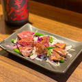 料理メニュー写真地鶏レバー&ハツ炭火焼き