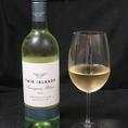 ワインも各種取り揃えております。【ツインアイランズ ソーヴィニヨンブラン】豊かな風味をもたらすよく熟したブドウを使用。トロピカルフルーツの鼻に抜けるような香り、グレープフルーツのような果実味。