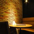 レンガ調のお席はデートや女子会に◎SNS映え抜群です。