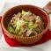 料理メニュー写真砂肝とキャベツのペペロンチーノ